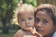 MIradas (Juankss) Tags: colombia pobreza tristeza conflicto rostro rostros cara nia