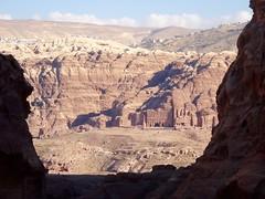 Onderweg naar the Monastery, was dit het uitzicht op de Royal Tombs