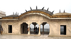 16 3085 - Inde, Agra, le Fort Rouge, le Musamman Burj (jeanpierreossorio) Tags: inde agra fortrouge palais chteau colonne