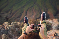 "Lanzarote. (¡arturii!) Tags: wow amazing awesome superb interesting stunning impressive nice beauty great arturii arturdebattk ""canonoes6d"" gettyimages travel trip tour route viatge holidays vacations cool visual nature guy man poc pointofview smartphone takingpictures legs feet edge vertigo height up viewpoint lanzarote spain islascanarias landscape outdoor me myself brave traveler wonderlust warm summer"