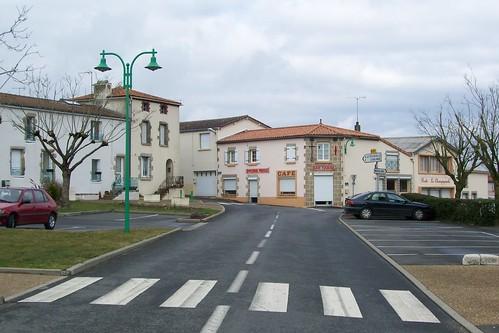 2 -Centre Bourg de LA CHAPELLE LARGEAU