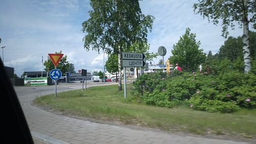 Finnish and Russian road signs in Hamina