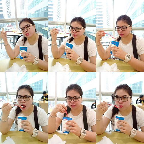 How eat ice cream. The pabebe way. 😜😂🍦#PabebeGirl