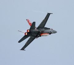 F-18 Hornet del Ala 15 (vic_206) Tags: jet airshow caza mataro f18hornet ala15 waraircraft canoneos7d canon300f4liscanon14xii festadelcel2015