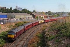Bog Brush (Steven Atkinson) Tags: west coast jubilee railway junction diamond company bog carlisle steamtown carnforth workington 47802 47854 wcrc 5z28