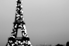 Sparkling (Rosetta Bonatti (RosLol)) Tags: paris france tour eiffel tower parigi roslol bw blackandwhite biancoenero bokeh silhouette night notte cityscape astratto abstract landmark rosettabonatti