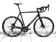 Konstructive ZEOLITE CROSS PRO Ultegra Bike by RevolutionSports.eu for Dream-Bikes.com