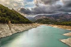 Embalse de Guadalest - Guadalest reservoir (jmpastorg) Tags: embalse reservoir guadalest españa spain alicante 2016 1750 landscape waterscape paisaje nikon filtrond nisi explore