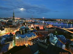 29833138894_d2bfdf55a3_o (photoAKM/Ainars Meiers) Tags: moonriseovercapital riga latvia moonrise nightscape europe balticstate notherneurope