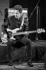 Bowie Reloaded - Guest Live-2926 (Pierre Fauquemberg) Tags: bowiereloaded hommage tribute bowiefrance davidbowie groupe bande concert guestlive bondy live photographiedeconcert photographe pierrefauquemberg france blackandwhite blackandwhitephotography noiretblanc monochrome