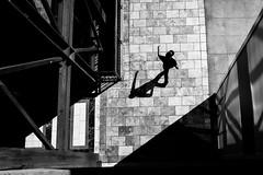 Glendale (Rinzi Ruiz [street zen]) Tags: candid bw blackandwhitestreetphotography 5yearsofxseries rinziruiz fujifilmx100t lightandshadow streetphoto streetphotography streetzen california losangelesstreetphotography fujifilmxus fujifilm urban usa rinziruizphotography