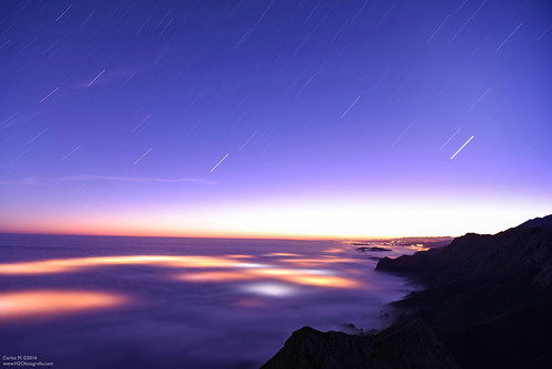 Sea of clouds (startrail)