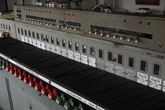 Stellwerk Bern Weyermannshaus 2 ( VES Vereinigte Eisenbahn - Signalwerke - Blockwerk Berlin Siemensstadt - Baujahr 1932 - Sicherungsanlage ) des Gterbahnhof Bern Weyermannshaus bei Bern im Kanton Bern der Schweiz (chrchr_75) Tags: albumzzz201611november christoph hurni chriguhurni chrchr75 chriguhurnibluemailch november 2016 hurni161101 kantonbern gterbahnhof bahnhof rangierbahnhof bern weyermannshaus schweiz suisse switzerland svizzera suissa swiss stellwerk sicherungsanlage ves vereinigte eisenbahn signalwerke blockwerk berlin siemensstadt baujahr 1932