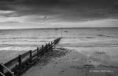 Colwell bay (TimeTraveller37) Tags: sailing boats landscape seascape canon1755mm canon7d canon photo atmosphere clouds pier beach bay sea bw iow mono blackandwhite isleofwight colwellbay