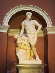PA312168 (simonrwilkinson) Tags: stourhead stourton warminster wiltshire nationaltrust nt pantheon classical sculpture hercules