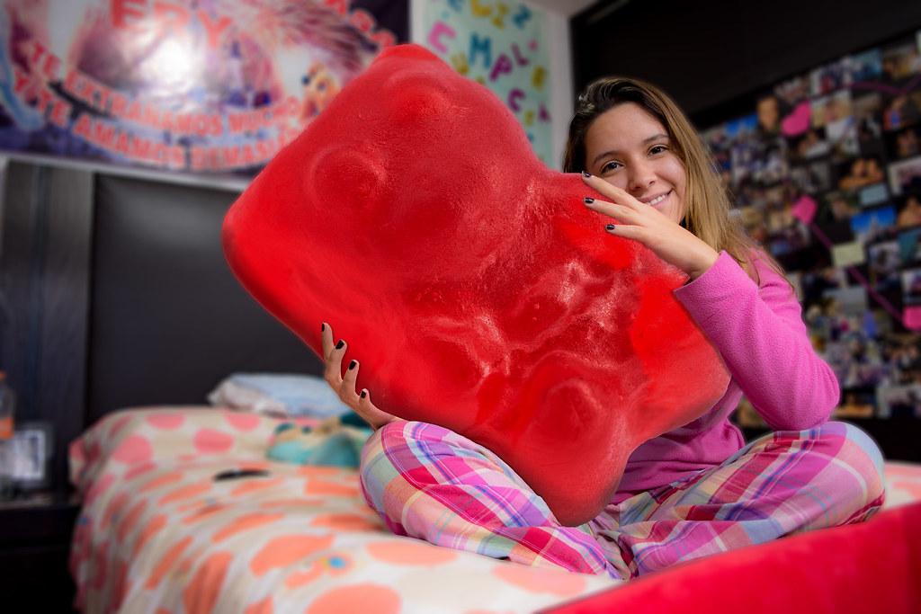 Super gigante roja yahoo dating
