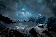 Ombre et Lumire au Col du Passon (Frdric Fossard) Tags: nature glacier ciel nuage atmosphre ombre lumire glacierdutour alpes hautesavoie massifdumontblanc bleu contraste altitude hautemontagne cime arte crte claircie accalmie orage coldupasson becrougesuprieur becrougeinfrieur