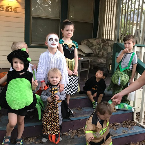 Trick or treat!!! Please don't ask me to identify all these cuties - the only ones I know for sure are the white faced ghost and batman standing in front of him!!! #boo #kiddos #halloween2016