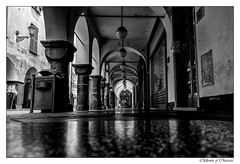 Old Town of Chiavari (tom22_allgaeu) Tags: chiavari europa italien liguria it europe italy italia ligurien oldtown altstadt sw schwarzweis street bw blackandwhite blackwhite bianconero nikon nocolor monochrom tamron 18270mm d7200 architektur