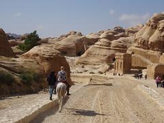 Op het paard naar de ingang van Petra