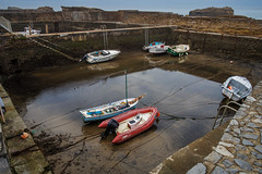En dique casi seco (SantiMB.Photos) Tags: 2blogger 2tumblr 2ig puerto port barcas boats baztn navarra otoo vacaciones2015 biarritz aquitaine francia fra