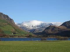 6182 Yr Wyddfa (Mt Snowdon) over Llyn Nantlle Uchaf (Andy - Busyyyyyyyyy) Tags: 20161124 eryri mmm mountain mtsnowdon snow snowdonia sss yrwyddfa