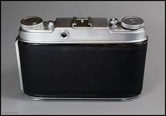 Agfa Super Isolette on Display (04) (Hans Kerensky) Tags: camera lens display rangefinder super shutter agfa folder isolette solinar synchrocompur anywhitefieldtagbyflickrsspamtagbot