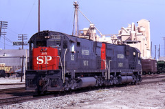 Waiting for a Light (GRNDMND) Tags: california century trains sp colton railroads southernpacific alco espee c628 c630