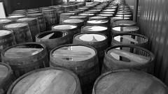 old barrels (tor-falke) Tags: scotland scottish scotch monochrom schwarzweiss distillery bg cask schottland fässer fass schottisch glengoyne scotchwhisky blackandgrey einfarbig schwarzweis scotlandtour glengoynedistillery scotchwhiskey schottlandtour whiskytour scotlandtours torfalke flickrtorfalke schottlandreise2015
