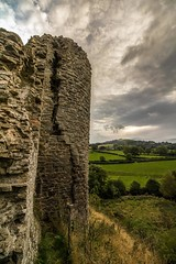 The crumbling giant (21mapple) Tags: clun canon canon750d canoneos750d canoneos clouds castle cluncastle outdoors outside outdoor out old englishheritage england english eh
