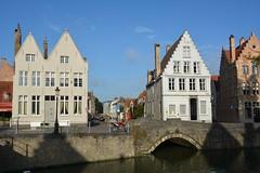 Bruges: Langerei (Gouden-Handbrug) (zug55) Tags: bruges goudenhandbrug langerei canal kanaal brugge brgge flanders flandres flandern belgium belgique belgi belgien vlaanderen westflanders westvlaanderen unescoworldheritagesite worldheritagesite unesco welterbe werelderfgoed brug bridge