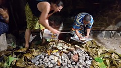 Removing the cooked food from the UMU