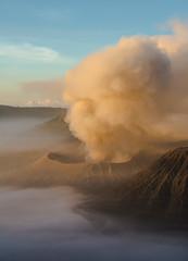 mont bromo en activit (Edwige7833) Tags: indonsie java mont bromo volcan