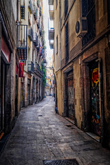 In an alley (BlindThirdEye) Tags: barcelona spain streetphotography cityscape architecture streets alleys curves