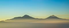 Izta and Popo (ruimc77) Tags: nikon d810 nikkor af 85mm f14d izta popo iztaccihuatl popocatepetl volcanos southeast mexico city mxico mountain montaa montanha vulcano vulco vulcao volcano sunrise pano panorama panoramic aerial air aviation nascer sol