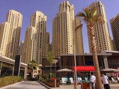 """The Beach"" Boys (oobwoodman) Tags: dubai uae thebeach jumeirah skyscrapers wolkenkratzer gratteciel architecture"