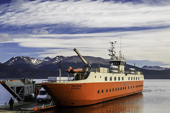 _Y4A1525 (Gabriel Leiva Muoz) Tags: puerto williams toro canon 7d mark ii 18135mm lightroom fin del mundo end of the world poblado ms austral barcaza ferry yaghan canal beagle isla navarino navegando
