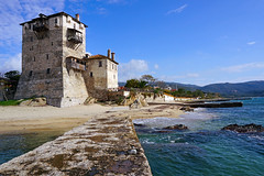 The old tower at the beach (liebesknabe) Tags: greece griechenland halkidiki chalkidiki ouranoupoli ouranoupolis mediterraneansea aegeansea tower building watchtower middleages byzantineempire beach a5100 ilce5100 selp1650 sonyalpha prosphorios macedoniagreece makedonia timeless macedonian μακεδονια