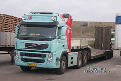 Volvo FM low loader AA12784 (sms88aec) Tags: volvo fm low loader aa12784
