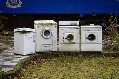 Familientreffen der Familie Miele (G_Albrecht) Tags: aggregat marode technik vermerk waschmaschine zustand