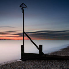Beach Arrow (Explore 27-11-2016) (Sunset Snapper) Tags: beacharrow sunset sandypoint haylingisland hampshire southcoast uk groyne radarreflector seadefence longexposure filters lee littlestopper nd grad nikon d810 2470mm beach shingle mistywater seascape november 2016 lowtide sunsetsnapper