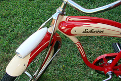 "C08518 (BarneyGoogle99) Tags: red 1948 bicycle stand tank balloon ivory tire chrome spitfire brake pedals handlebar horn schwinn coaster juvenile rods 1949 saddle dx truss grips bendix troxel 20"" mesinger"