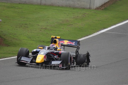 Dean Stoneman with a puncture during Saturday's WSR 3.5 Race at Silverstone