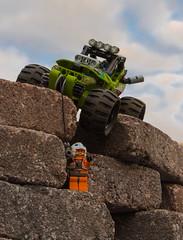 32-52 Lego Ofroad Buggy with Star Wars figure (Michael Dumann) Tags: orange strand star lego technik wars grün buggy rettung figur helm lichter weiser gelände grüner seil seilrettung