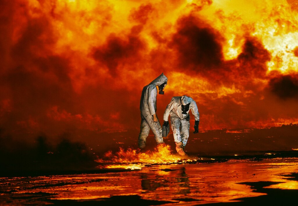 reflection paper on gulf oil spill View essay - bp oil spill reflection from history 102 at florida international university ian sallee 02/16/16 professor siress com3230 bp oil spill reflection the bp oil spill of 2010 was not only a.