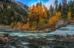 Around The Bend In Autumn (Cole Chase Photography) Tags: autumn fall canon washington october wenatchee leavenworth t3i wenatcheeriver tumwatercanyon