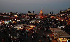 Marrakech /  (Morocco) - Jamaa el Fna (Danielzolli) Tags: plaza square stand place market platz stall mercado morocco maroc marrakech souk piazza bazaar markt marruecos mercato march trg souq bazar marokko piata targ basar trh rynek suk suq plass marrakesch jamaaelfna fna plac targowisko namesti  maghrib jamaa djamaaelfna rynok almaghrib skwer   bozor    trziste