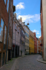 Streets of Copenhagen (LaDani74) Tags: canoneos760d denmark danmark street summer travel holiday copenhagen architecture home colorful people skyreflections sky scandinavia old town historical