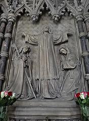 [46059] St Mary (RC), Warrington : North Chapel (Budby) Tags: warrington cheshire church victorian catholic romancatholic sculpture carving altar reredos
