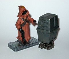 jawa with gonk droid star wars power of the force 2 starburst card basic action figures 1999 hasbro f (tjparkside) Tags: potf2 1999 star wars power force 2 two starburst card cardback jawa gonk droid droids jawas comm chip display stand basic action figure figures hasbro sw anh new hope ep episode 4 iv four commtech ionization gun tatooine scavenger desert energy traders mechanic mechanics foot holes variant version eg6 e g6